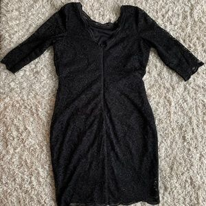 Lace dress with three-quarter sleeve